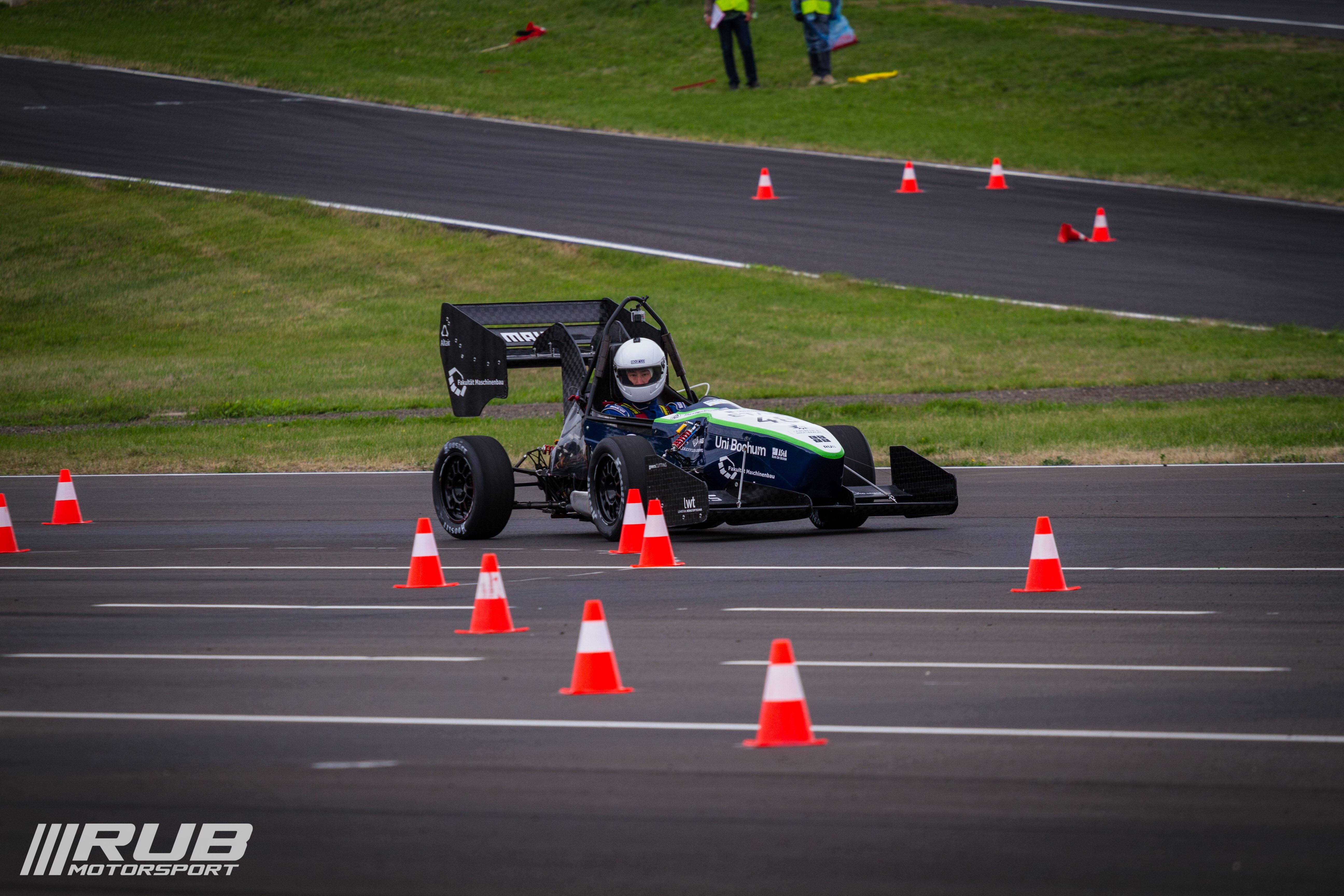 RUB-Motorsport-FSCzech15-9-von-24